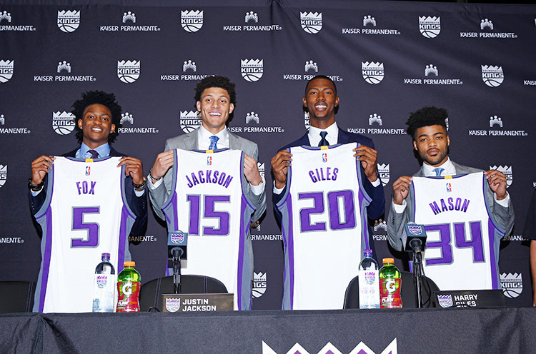 sacramento kings retired jersey numbers
